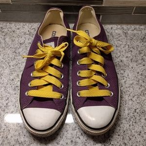 EUC Converse All Star sneakers
